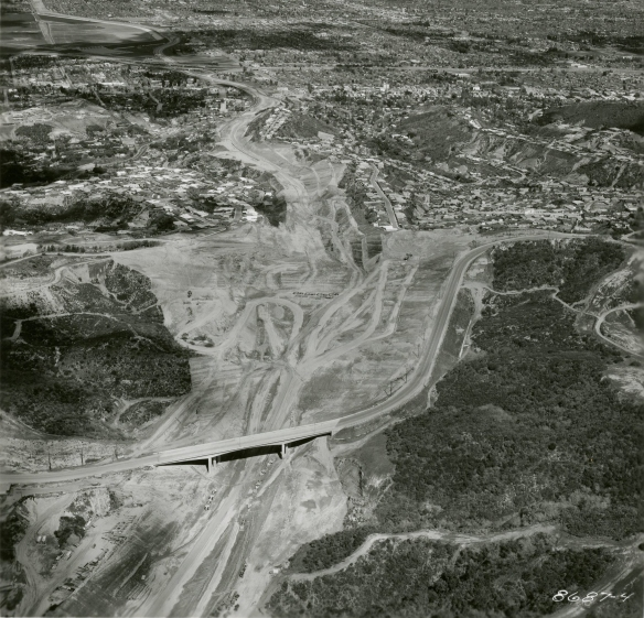 mulholland_dr_bridge_closer-construction-rev21
